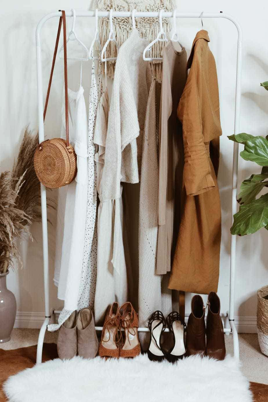 how to put together a fall capsule wardrobe