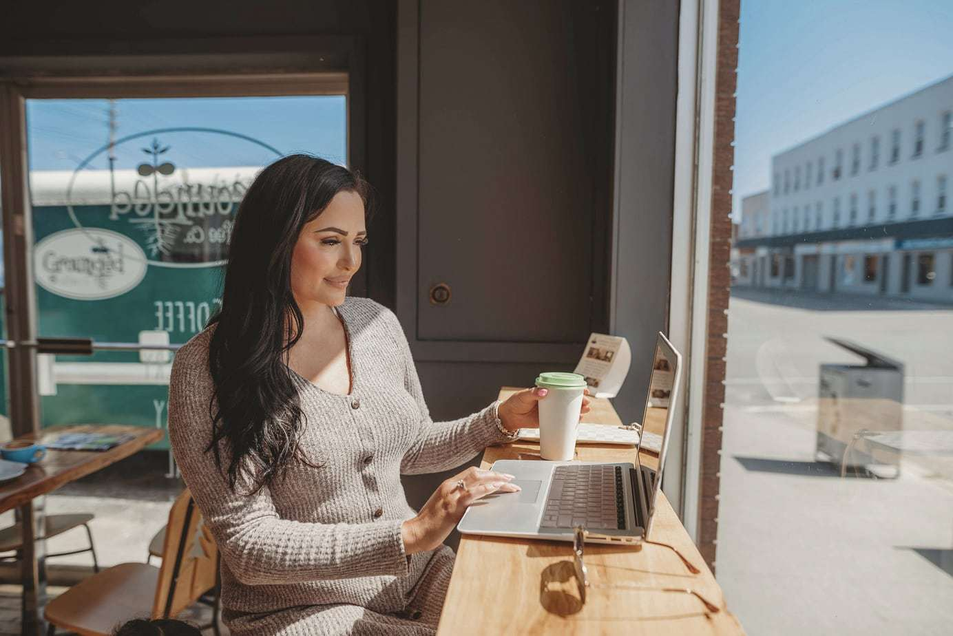 how to start a blog, start blogging for beginners.