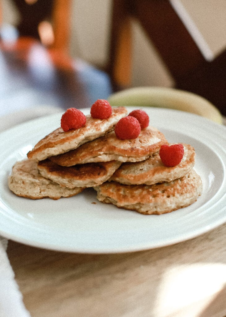 protein packed banana oat pancake recipe for weight loss