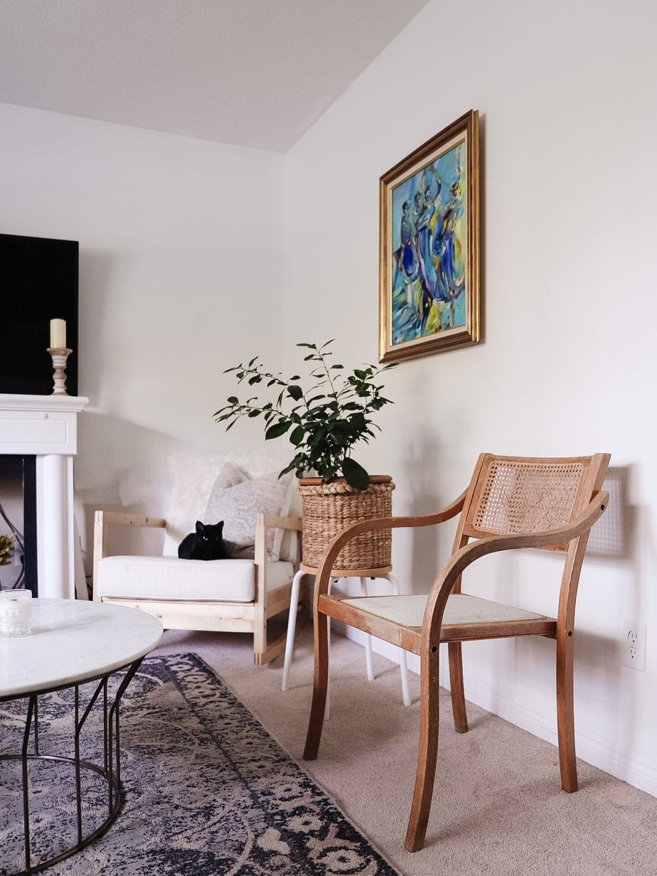 How to pick the perfect white paint for your living room