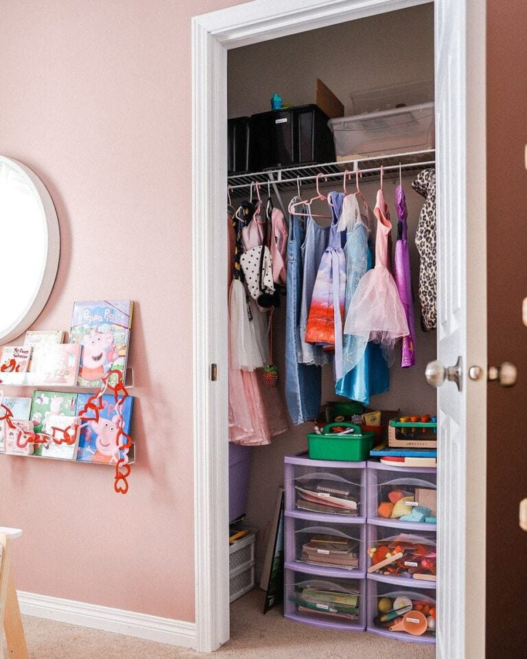 Finally, this is how you organize your kids room once and for all!